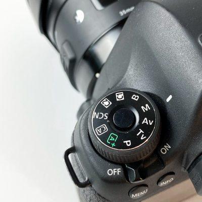 manual mode on canon DSLR camera
